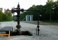 Snapper A-1 wellhead and facilities 2